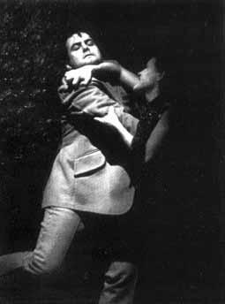 с хорошенькими актрисами знаком пушкиным на дружеской ноге